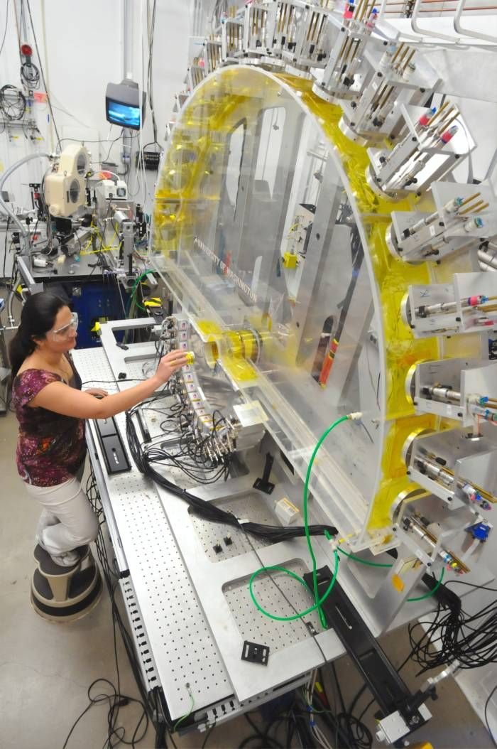 Operator on a smart factory floor
